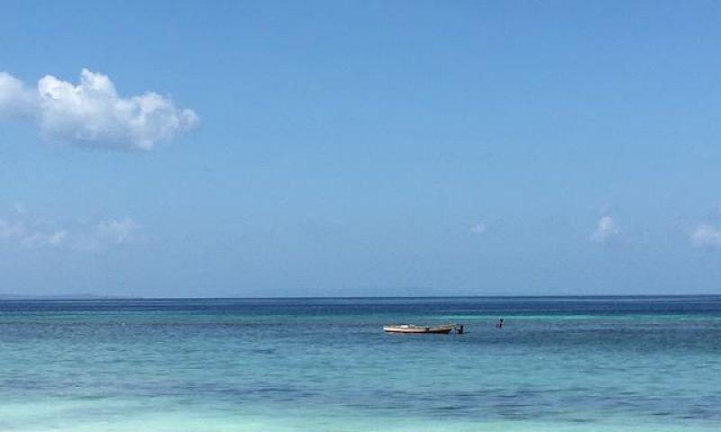 6 Wisata Gua & Pantai di Buton Tengah