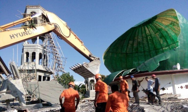 Jumlah Korban Jiwa Akibat Gempa Mencapai 131 orang