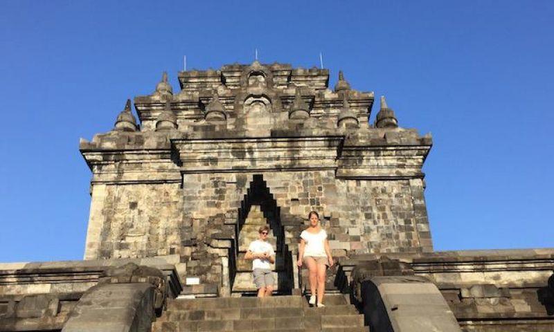 Rugi Kalau Cuma Ke Borobudur Dan Prambanan