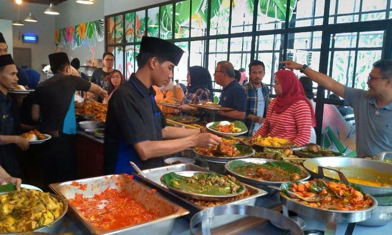 Nasi Kapau Ini Diburu Para Petualang Kuliner