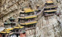 Konstruksi & Arsitektur Hanging Temple Bikin Wisatawan Tercengang
