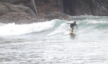 Kabupaten Malang Gelar Surfing Malam Hari di Pantai Wedi Awu