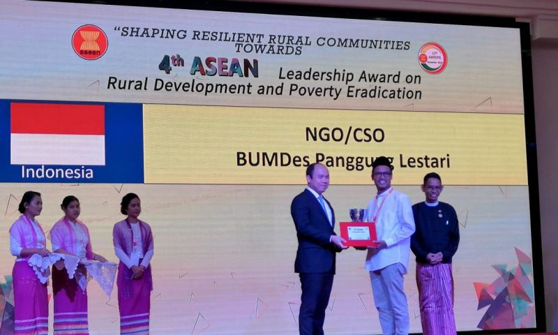BUMDes Panggung Lestari Terima Penghargaan Tingkat ASEAN
