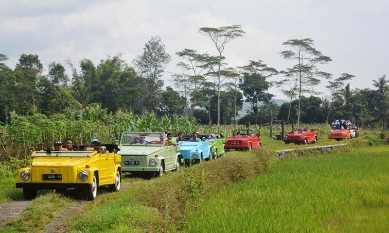 Berpetualang di Kawasan Borobudur dengan VW Safari
