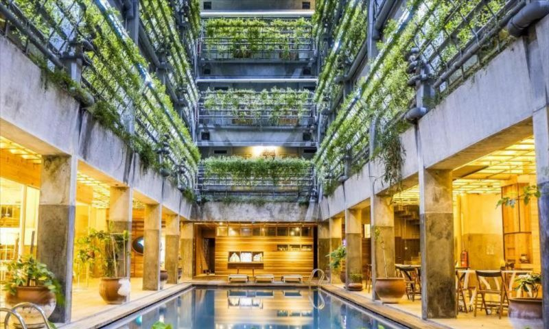 Greenhost Hotel Buka Kembali