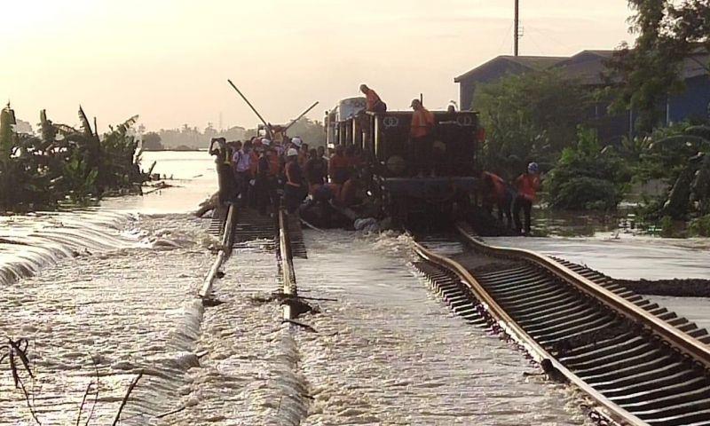 Hari ini Perjalanan Kereta Api Jarak Jauh Kembali Dibatalkan Akibat Cuaca Ekstrem