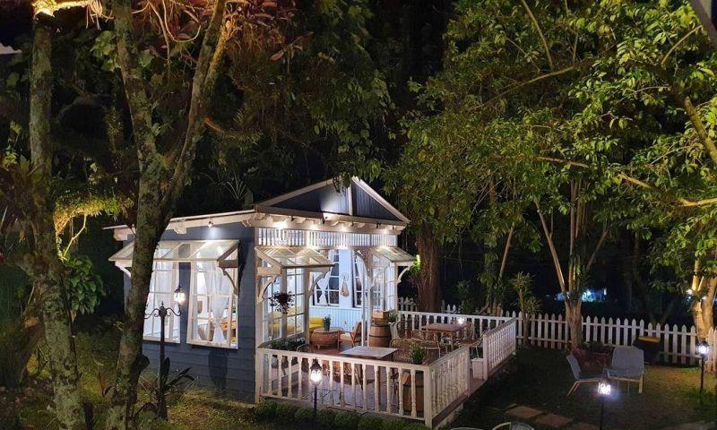 Dua tempat Kuliner di Bandung Ini Bikin Hati Senang