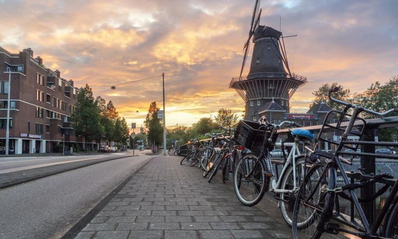 Belanda Longgarkan Pembatasan dan Belakukan Kartu Corona